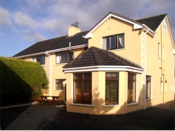 Johnny B's Bed & Breakfast, Ballybofey near Jackson's Hotel, Co. Donegal